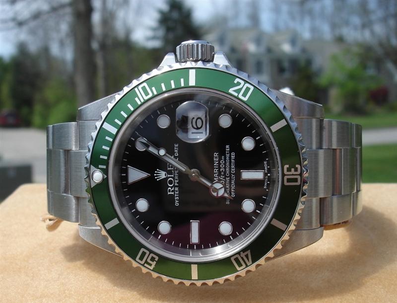 446ef5a9edb navegar através de relógios falsificados em linha e você vai saber que uma  das coleções mais vendáveis é o réplicas rolex. este relógio imitação  parece ...