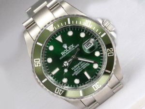 Rolex-Submariner-Green-Bezel-And-Dial-Watch-96_1