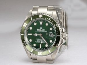 Rolex-Submariner-Green-Bezel-And-Dial-Watch-96_2